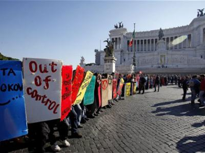 Students and trade unions demonstrate in Rome against government budget cuts on Thursday. Photo: EPA